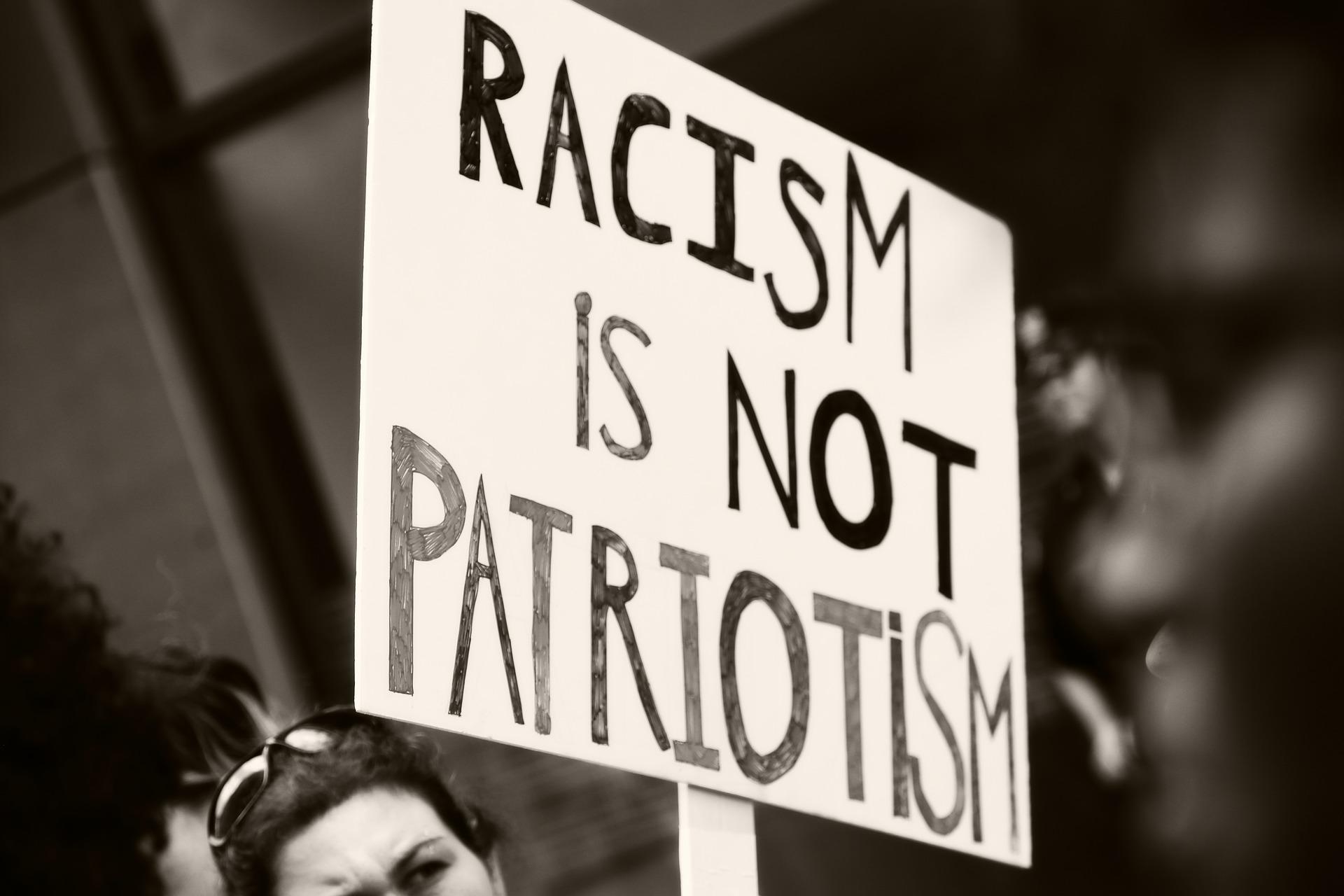 Rasismul - de ce am ales să urâm