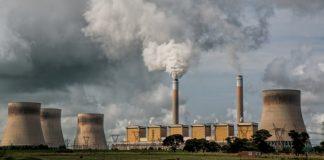 români mor anual din cauza poluării
