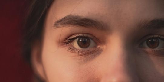Ochii tăi (nu) spun tot
